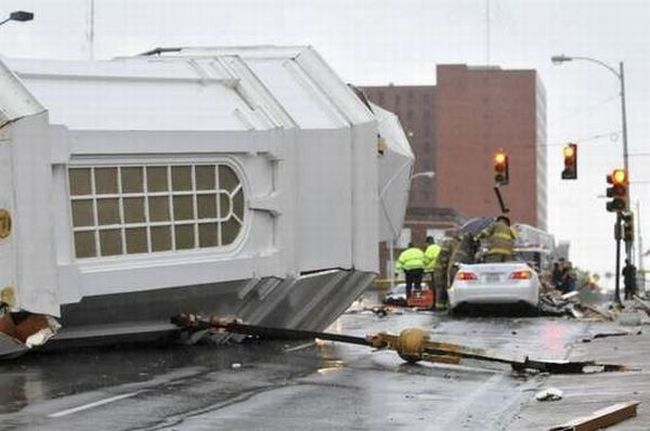 Driver Survives a Hit by a Church Steeple (24 pics)