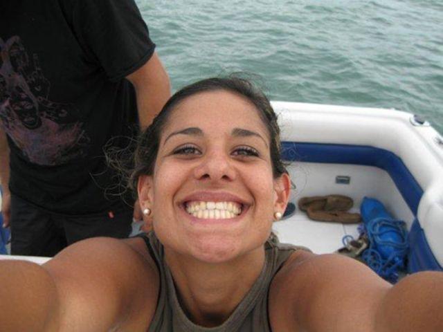 Smiling Girl from Brazil (11 pics)