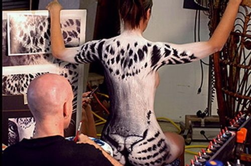 Great Bodyart. Can you spot the woman's body? (7 pics)