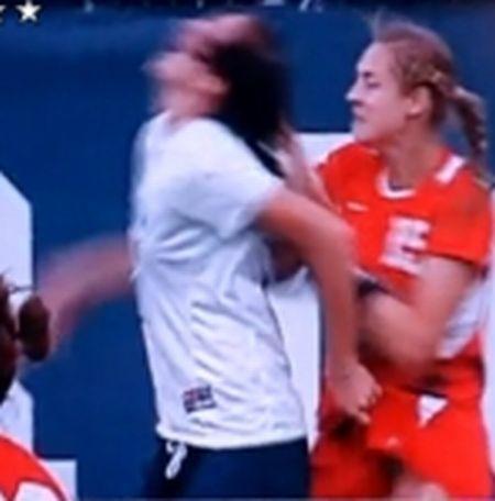 Elizabeth Lambert, the dirtiest player in Women's Soccer (5 gifs + video)