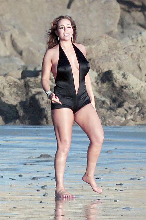 Mariah Carey looks... fat? (7 pics)