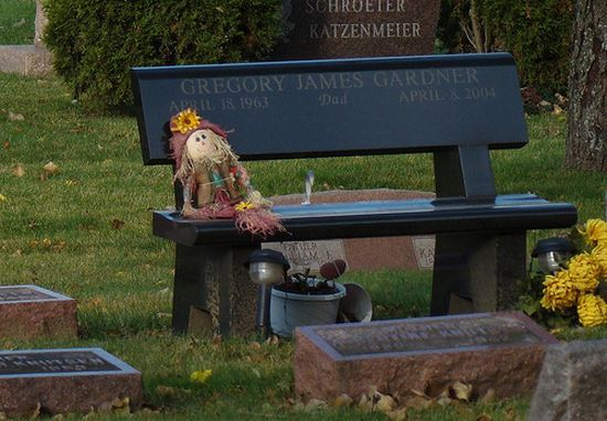 Unusual Tombstones (71 pics)