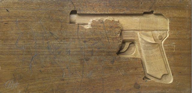 Desk Carving (7 pics)