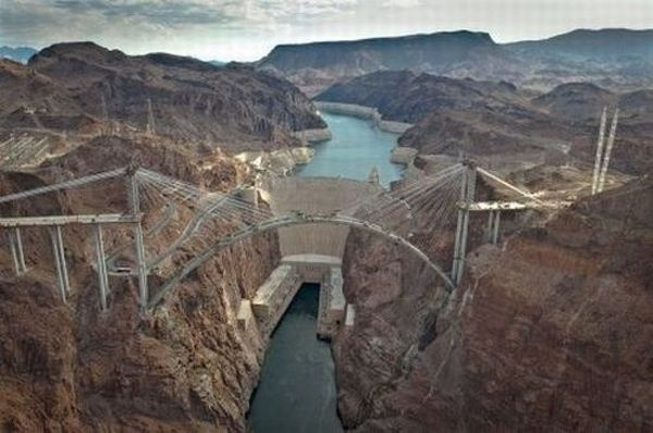 The Hoover Dam Bypass (23 pics)