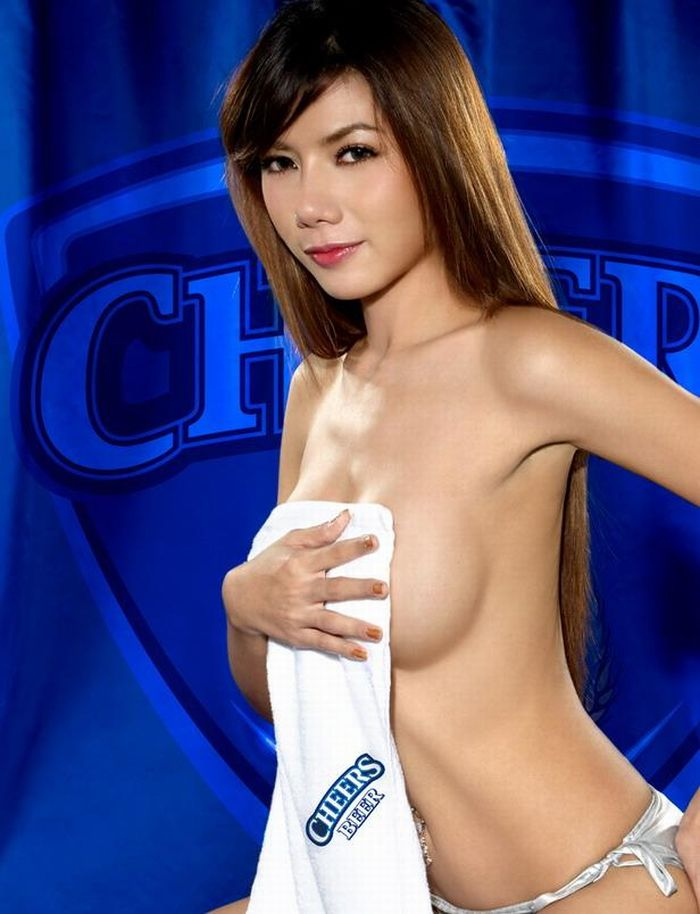 Sexy Girls in Thailand's Beer Commercial (18 pics)