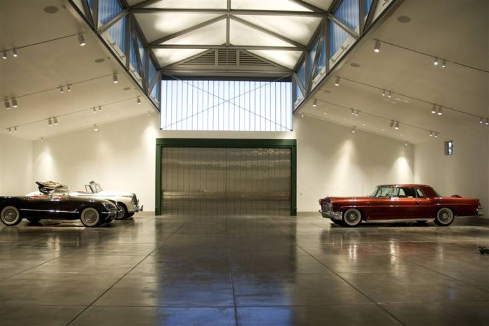 The Best Garages (12 pics)
