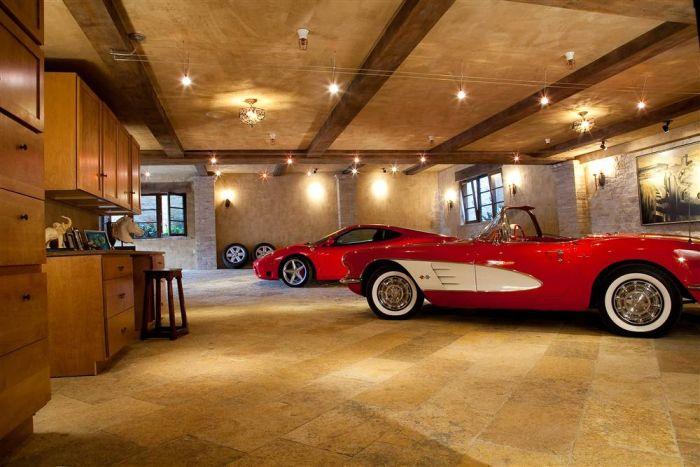 The Best Garages (12 pics)