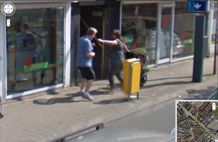 Streetfight on Google Streetview (3 pics)