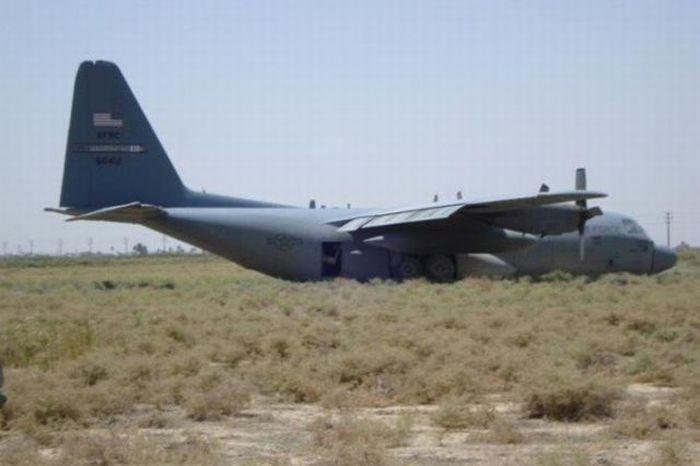 Emergency Landings (18 pics)