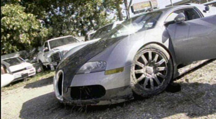 The Aftermath of Bugatti Veyron Crash (18 pics)