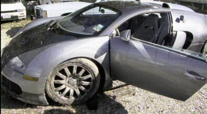 The Aftermath of Bugatti Veyron Crash (18 pics)