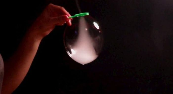 How to Create a Tornado in a Soap Bubble (4 pics + video)