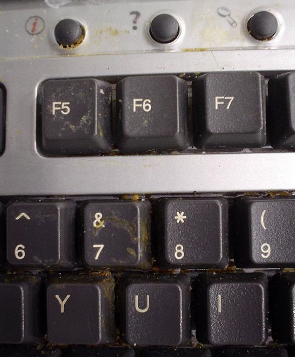 Very Dirty PCs (17 pics)