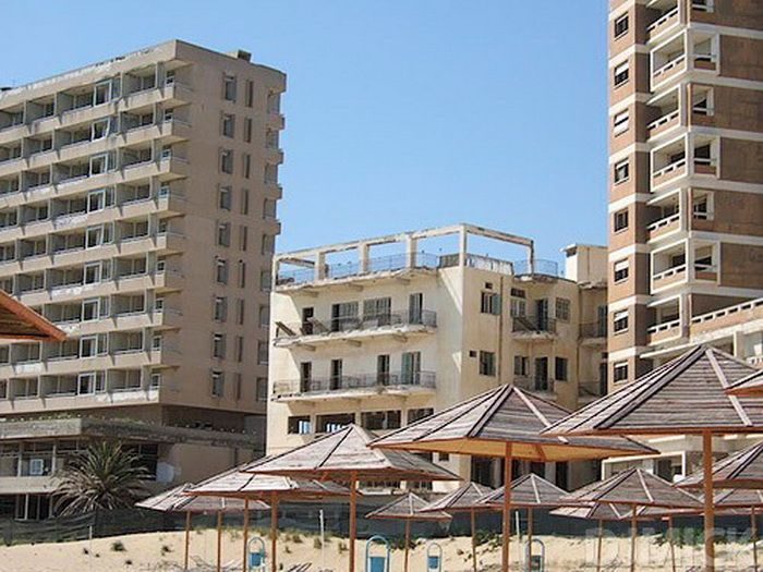 Abandoned Beach Resort, Varosha, Cyprus (52 pics)