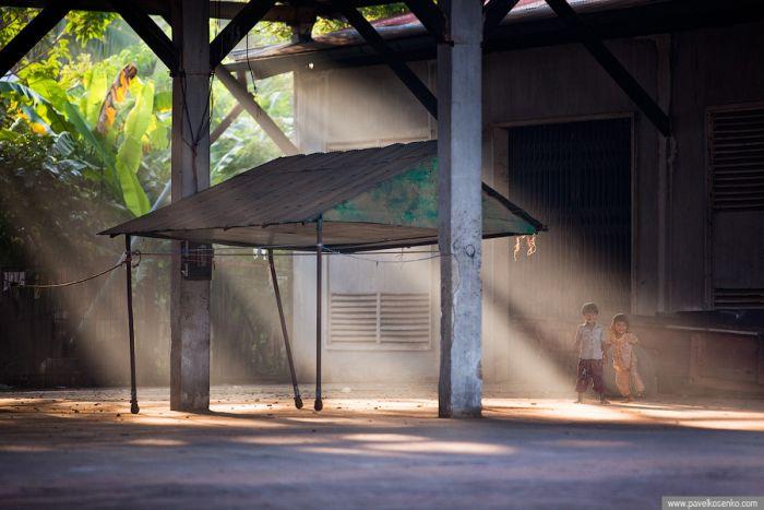 Abandoned Pepsi bottling plant, Battambang, Cambodia (12 pics)