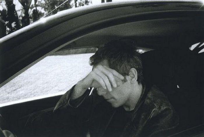 Crying Men (21 pics)