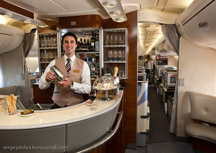 Luxury Airbus A380 of the Emirates Airlines (48 pics)