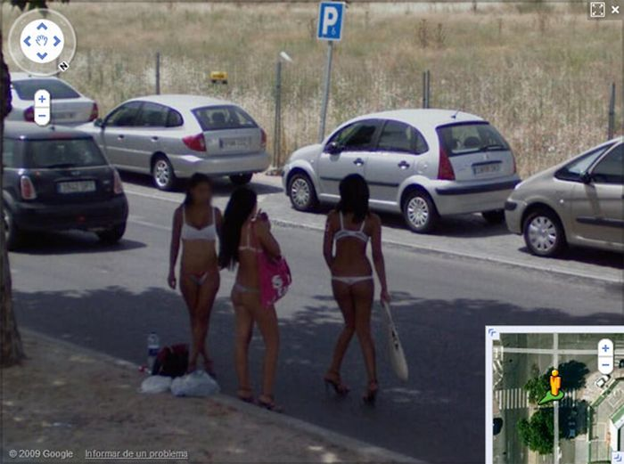 Prostitutes on Google Street View (24 pics)
