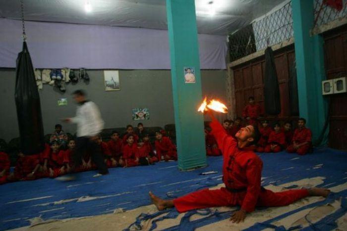 School of Martial Arts in Palestine (18 pics)