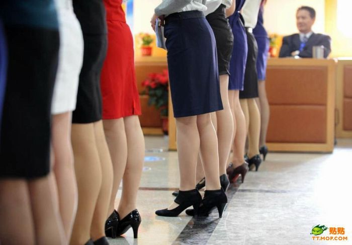 Casting for New Flight Attendants for Chinese Airlines (12 pics)