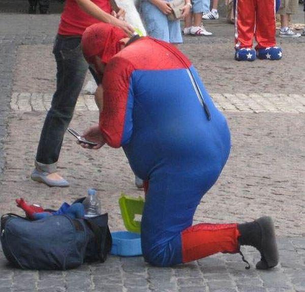 Fat Spiderman in Worst Costume Ever (7 pics)