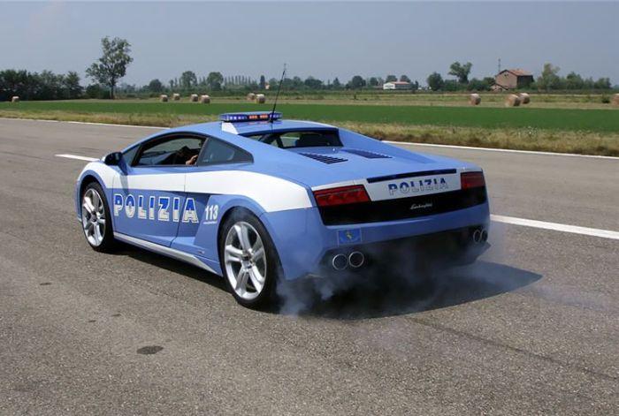 Lamborghini Gallardo LP560-4 Italian Police Car Crashed (13 pics)