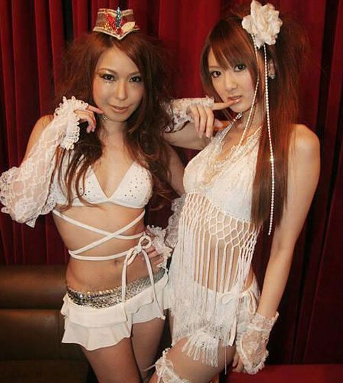 Sexy Girls in Chinese Night Clubs (30 pics)