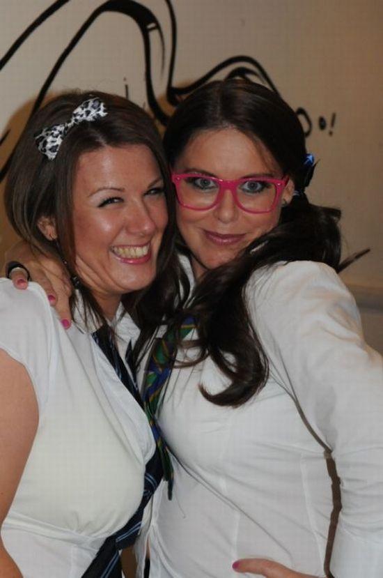 Dressed as Schoolgirls in Night Clubs (100 pics)