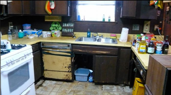 The Messiest Homes of the United States. (28 pics)