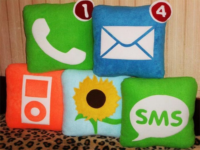 Funny Icon Pillows (19 pics)