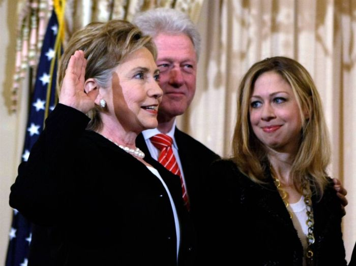 The Life of Chelsea Clinton (29 pics)