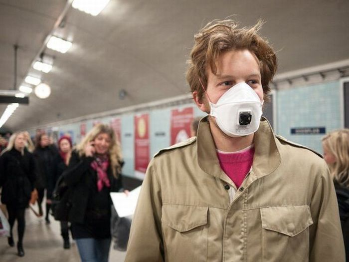 Mask to Catch a Flue (5 pics)