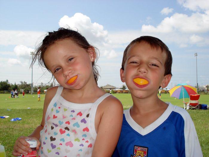 Orange Wedge Smiles (20 pics)