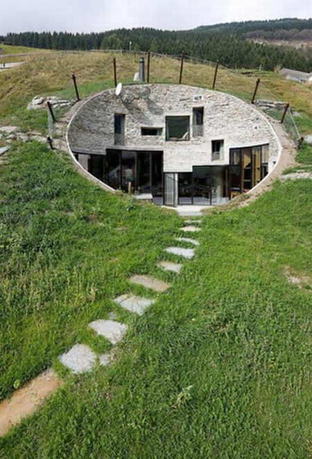 Amazing House Inside a Hill (26 pics)