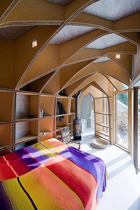 Amazing House Inside a Hill (26 pics)