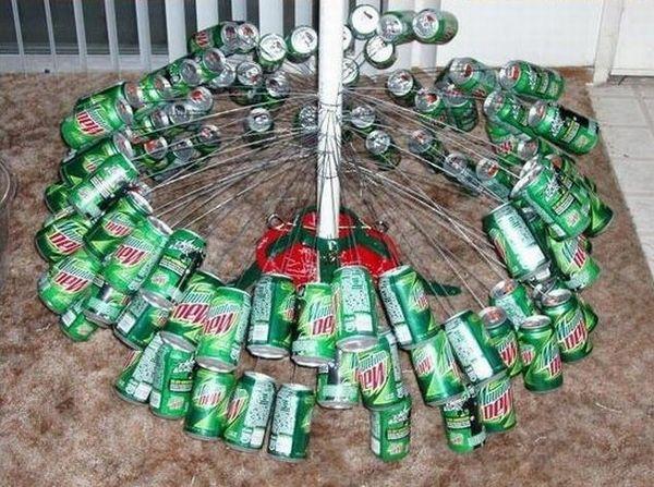 Can Tree for Christmas (9 pics)