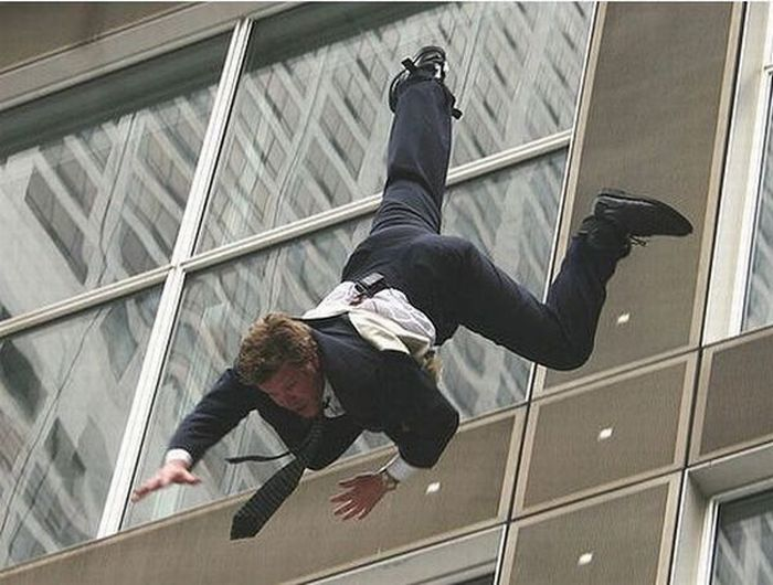 Falling Down (22 pics)