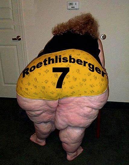 The Main Reason Why NFL Quarterbacks Need Short Names (4 pics)