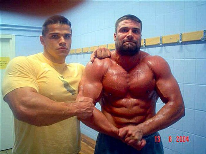 Bodybuilders (90 pics)