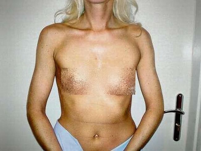 The Wife of a Plastic Surgeon (9 pics)