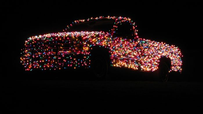 Christmas Truck (11 pics)