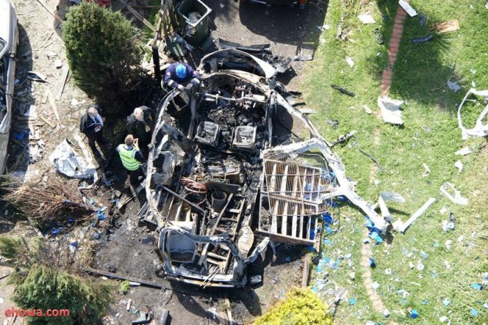 Сonsequences of the Explosion of Acetylene Bottle in a Car (10 pics)