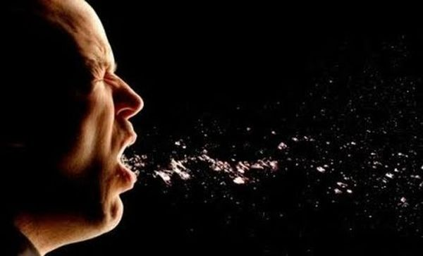 Sneezing People in Slow Motion (12 pics)
