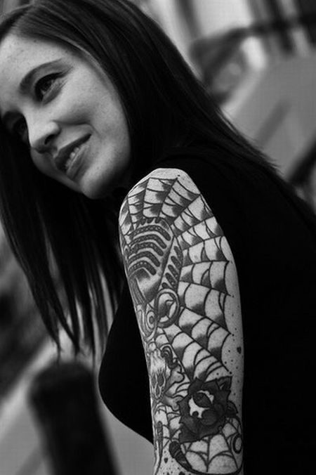 Girls with Tattoos (51 pics)