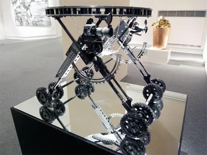 Gun Shape Baby Carriage (11 pics)