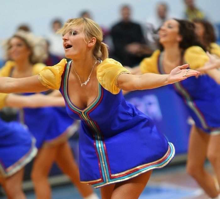 Russian Cheerleaders (83 pics)