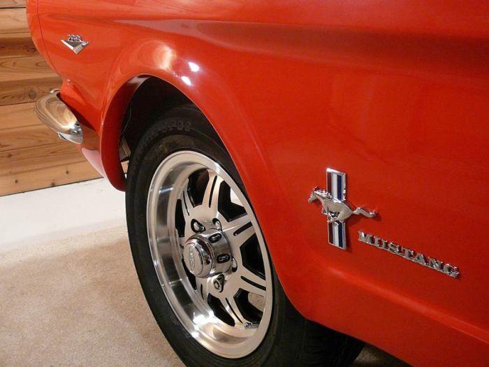 Mustang Pool Table (5 pics)