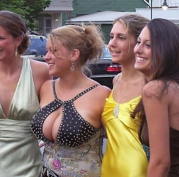 Busty Girls Making Their Friends Invisible (21 pics)