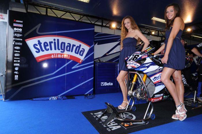 Miss Yamaha Racing 2009 (47 pics)