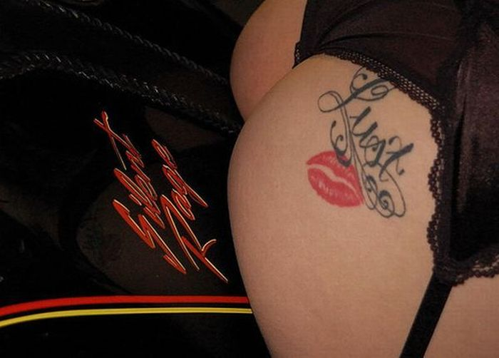 Tattoos on butts (42 pics)